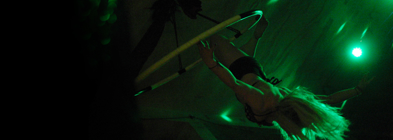Auftritt : Pole Dance, Ringakrobatik, Vertikaltuch : International Tribal Festival Hannover - Lady Kitty´s Hell´s Belles